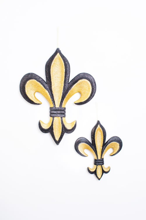 "12"" X 10"" FINE GLITTER BLACK AND GOLD FLEUR DE LIS"