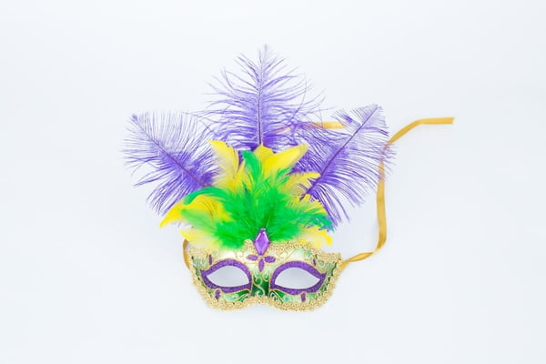 "7"" x 12"" Mask w Ostrich Feathers"