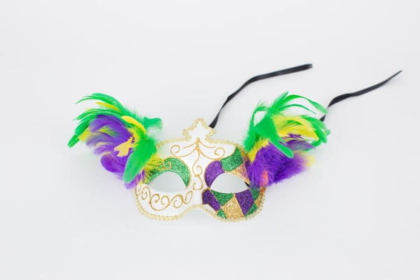 "6.5"" x 4.5""Mask w Feathers"