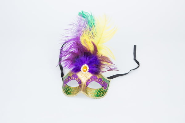 PGG Tall Feathers Mask