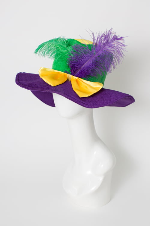 PGG Top Hat w Bow Feathers