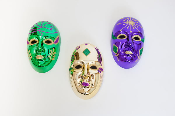 "8"" ASSORTED MARDI GRAS PLASTIC MASKS FOR DECORATING"
