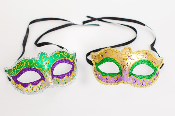 "6.5"" X 3.5"" 2 ASSORTED HALF MASKS W PEARLIZED FINISH"